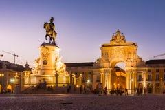 Cidade comercial do Oceanfront da área de Lisboa Portugal do quadrado de Comercio fotografia de stock