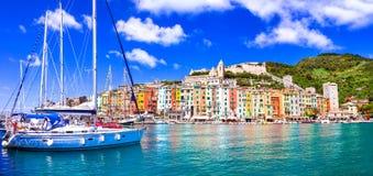 Cidade costeira bonita Portovenere no terre de Cinque, Liguria, Itália foto de stock
