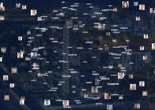 Cidade da noite com conectores fotos de stock royalty free