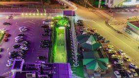 Cidade da noite, efeitos do Inclinação-deslocamento do brinquedo Exposição longa no vídeo vídeos de arquivo