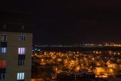Cidade da noite em outubro imagens de stock