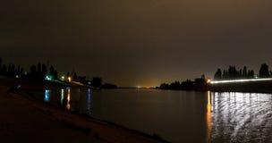 Cidade da noite em outubro imagem de stock royalty free