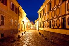 Cidade da noite histórica da rua de Varazdin Fotografia de Stock