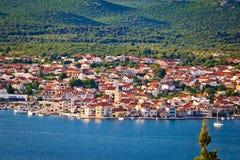 Cidade da opinião aérea de Pirovac imagem de stock
