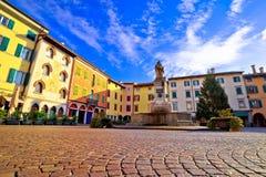 Cidade da opinião quadrada italiana colorida de Cividale del Friuli Fotografia de Stock Royalty Free