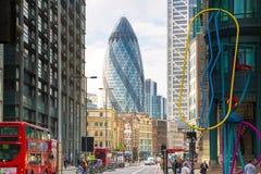 Cidade da rua de Londres e de povos de passeio Foto de Stock