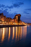 Cidade da skyline velha da cidade de Gdansk na noite Imagem de Stock Royalty Free