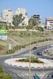 Cidade da vida de Tiberias nas ruas: povos, carros na rua Fotografia de Stock