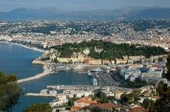 Cidade de agradável - vista panorâmica do Villefranche-sur-Mer do distrito Imagem de Stock