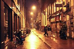 Cidade de Amsterdão, Países Baixos - curso no conceito de Europa fotografia de stock royalty free