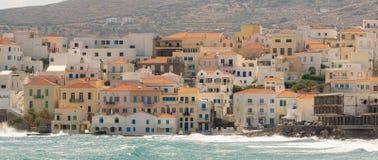Cidade de Andros na ilha de Andros em Grécia imagem de stock royalty free