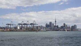 Cidade de Auckland e porto, Nova Zelândia fotografia de stock royalty free