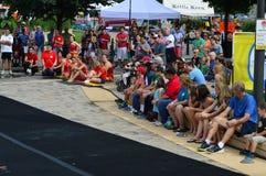 Cidade de Bloomington, EUA - Sweetcorn e festival dos azuis foto de stock royalty free