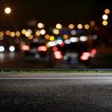 A cidade de Bokeh ilumina a estrada fotos de stock