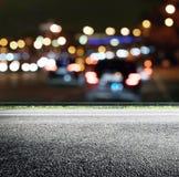 A cidade de Bokeh ilumina a estrada imagens de stock