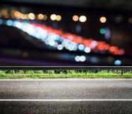 A cidade de Bokeh ilumina a estrada foto de stock royalty free
