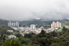 A cidade de Brinchang é centro de turismo em Cameron Highlands, Malásia imagem de stock