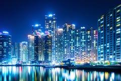 Cidade de Busan na noite imagens de stock