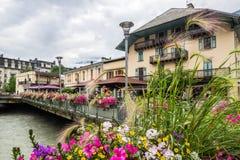 Cidade de Chamonix em França nos cumes Foto de Stock Royalty Free