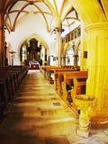 2016/06/18 - Cidade de Chomutov, república checa - chegada do meio-dia para esvaziar a igreja &#x27 do gothick; Kostel Nanebevzet Fotos de Stock Royalty Free