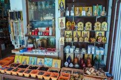 CIDADE DE CORFU, GRÉCIA - 1º DE JULHO DE 2011: Ícones ortodoxos com St Spyri Fotografia de Stock Royalty Free