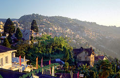 Cidade de Darjeeling, Himalayas orientais Fotos de Stock Royalty Free
