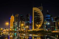 Cidade de Doha, Catar na noite Imagens de Stock