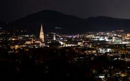 Cidade de Freiburg na noite fotografia de stock royalty free