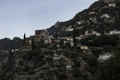 Cidade de Grécia no muntain Imagens de Stock Royalty Free