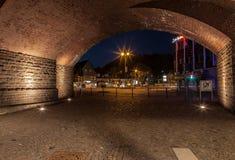 Cidade de Gummersbach na noite fotografia de stock