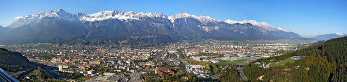 a cidade de Innsbruck e as montanhas do nem Imagem de Stock Royalty Free