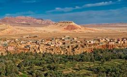 Cidade de Kasbah e oásis em montanhas do atlas, Marrocos Foto de Stock Royalty Free