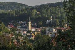 Cidade de Kraslice na manhã muito quente do verão fotografia de stock