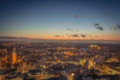 Cidade de Leipzig na noite fotografia de stock royalty free