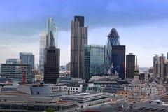 Cidade de Londres com arranha-céus Fotos de Stock Royalty Free