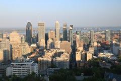 Cidade de Montreal do por do sol imagem de stock