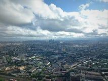 Cidade de Moscovo Vista da torre de Ostankino no outono fotografia de stock royalty free