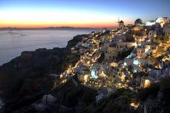 Cidade de Oia, Santorini, no crepúsculo Foto de Stock