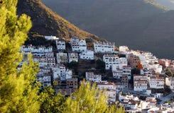 Cidade de Ojen perto de Marbella no amanhecer de Spain Imagem de Stock