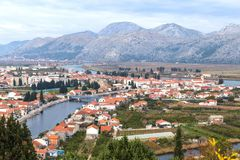 Cidade de Opuzen, Croácia Fotos de Stock Royalty Free
