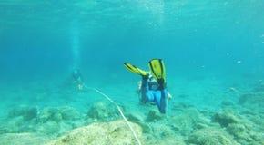 Cidade de Pafos, Chipre, Europa - 19 de julho de 2015: Mergulhadores de mergulhador em Cupr Imagem de Stock Royalty Free