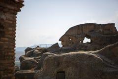 Cidade de pedra antiga da caverna de Uplistsikhe em Geórgia fotografia de stock