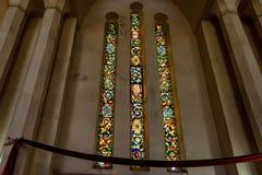 CIDADE DE PEDRA, ZANZIBAR - 9 DE JANEIRO DE 2015: Janela de vidro colorido na catedral da igreja de Cristo Fotografia de Stock Royalty Free