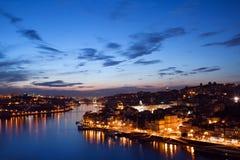Cidade de Porto em Portugal no crepúsculo Fotografia de Stock