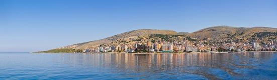 Cidade de Saranda - recurso de verão, Albânia fotografia de stock