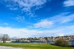 Cidade de Seattle vista do parque do trabalho do gás Imagens de Stock Royalty Free