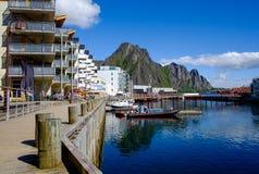 Cidade de Svaelvard em Noruega do norte fotografia de stock royalty free