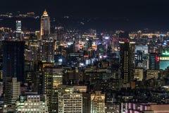 Cidade de Taipei nas luzes da noite fotos de stock royalty free