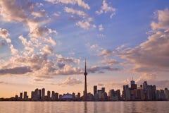 Cidade de Toronto durante o por do sol Imagem de Stock Royalty Free
