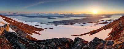 Cidade de Tromso - panorama no por do sol Fotos de Stock Royalty Free